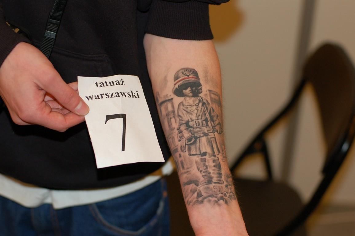 H.R.Giger, tatuaże i pin-up w Pałacu Kultury i Nauki ... H.r. Giger Tattoo